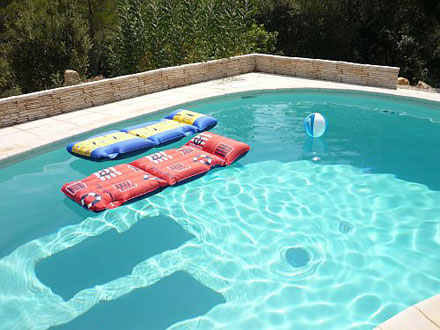 Maison en provence villa bras var disponibilit s et for Prix piscine chauffee