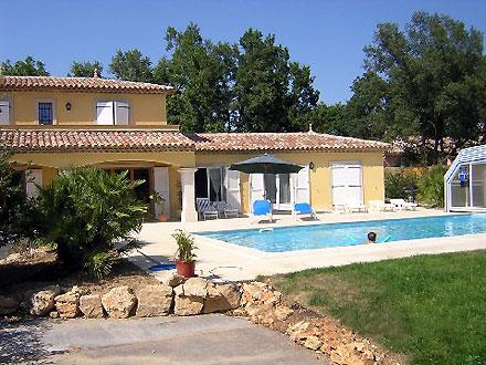 villa piscine priv e pr s du golf de terre blanche. Black Bedroom Furniture Sets. Home Design Ideas