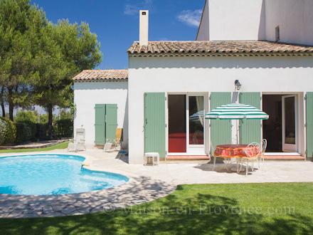 Villa au domaine du golf piscine priv e 500 m tres du - Pont royal en provence office du tourisme ...