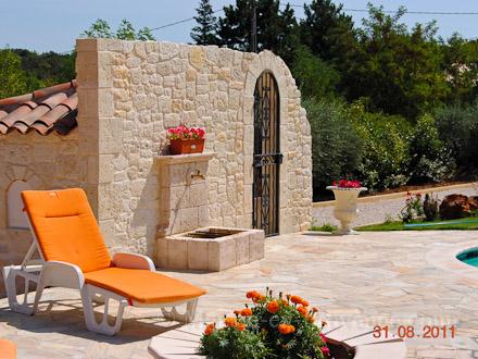 villa piscine priv e a 1 heure des gorges du verdon la verdi re var location de vacances. Black Bedroom Furniture Sets. Home Design Ideas