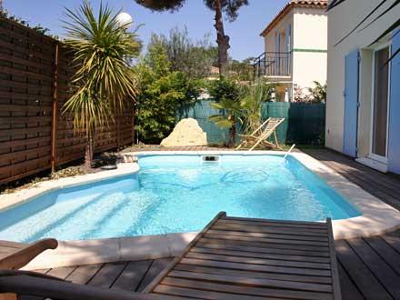 Villa piscine priv e 700 m des plages sanary sur for Piscine sanary