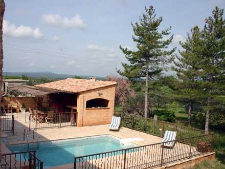 Villa piscine priv e pr s des gorges du verdon aups for Pool house cuisine d ete