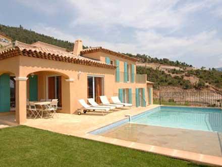 Villas 4 ch piscine priv e la londe les maures var - Maisons provencales photos ...