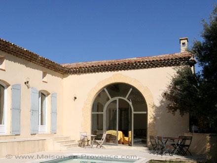 Villa au domaine du glof piscine priv e dans le domaine du golf de pont royal en provence - Pont royal en provence office du tourisme ...