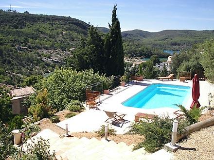 Appartement piscine priv e proche du lac d 39 esparron for Camping proche des gorges du verdon avec piscine