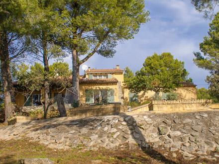 Detached villa in Fontaine-de-Vaucluse