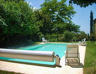 Mas en pierre piscine priv e au milieu des vignes for Piscine romaine