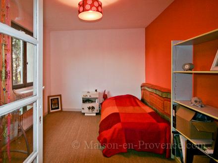 Location villa cadenet vaucluse ref m499 for Chambre de commerce guadeloupe