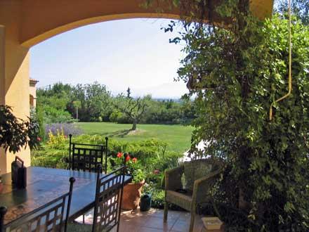 Maison en provence villa saint saturnin l s avignon for Entretien jardin avignon
