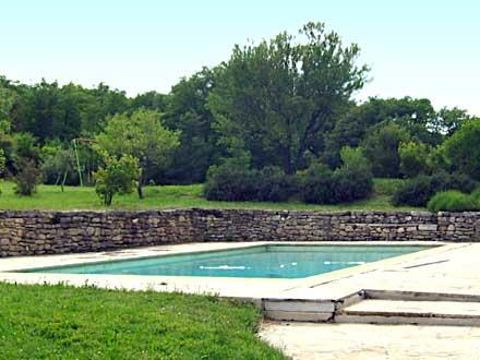 Mas du 17 me si cle piscine priv e au coeur du luberon for Piscine 17eme