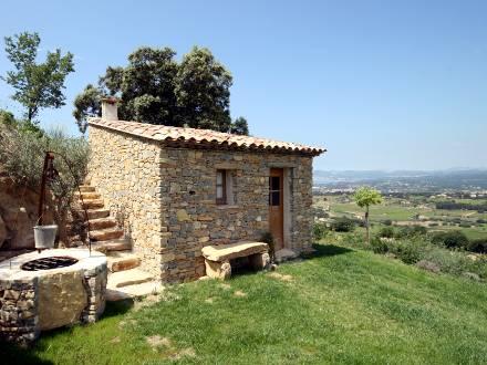 Villa piscine priv e vue mer panoramique la cadi re d for Cabanon maison