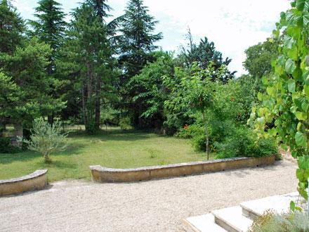 Maison en provence villa saumane de vaucluse vaucluse for Entretien jardin vaucluse