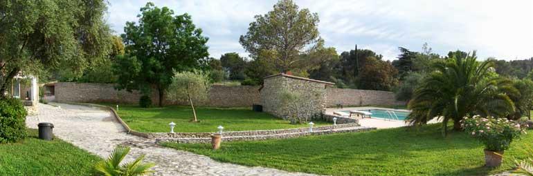 Villa piscine priv e quartier r sidentiel proche du centre de nimes n mes gard location - Petit jardin proven nimes ...