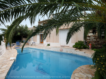 La piscine de la location de vacances Appartement à Toulon ,Var