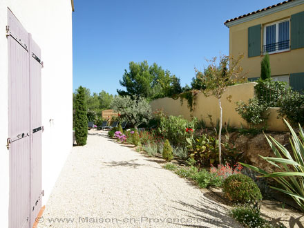 Villa au domaine du golf piscine priv e beau jardin for Le jardin mallemort