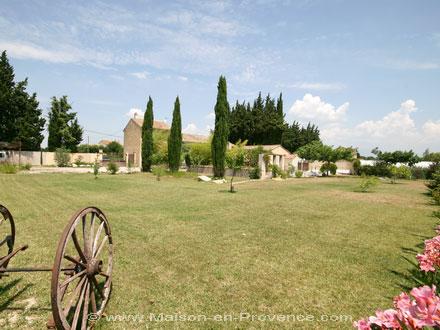 Le mas de la location de vacances mas en pierre à sarrians vaucluse