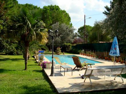 Rez de villa piscine draguignan var location de for Piscine de draguignan