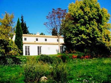 Villa � Lambesc