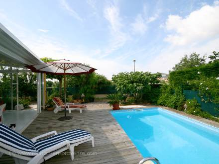 Villa piscine priv e proximit des plages hy res for Piscine hyeres