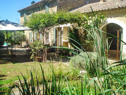 Mas en pierre, piscine privée, grand jardin, à Cavaillon, Vaucluse ...