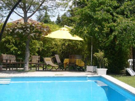Villa piscine priv e dans le pays d 39 aix cabri s for Piscine cabries