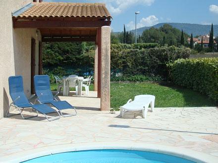 villa piscine priv e proximit des plages le beausset var location de vacances n 704. Black Bedroom Furniture Sets. Home Design Ideas