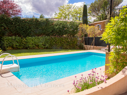 villa piscine priv e proche d 39 aix en provence aix en provence bouches du rh ne location. Black Bedroom Furniture Sets. Home Design Ideas