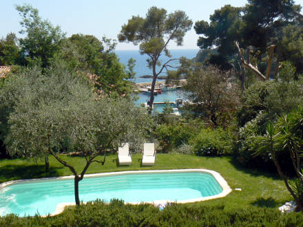 The Swimming Pool Of The Holiday Rental Villa At Presquu0027île De Giens ,Var