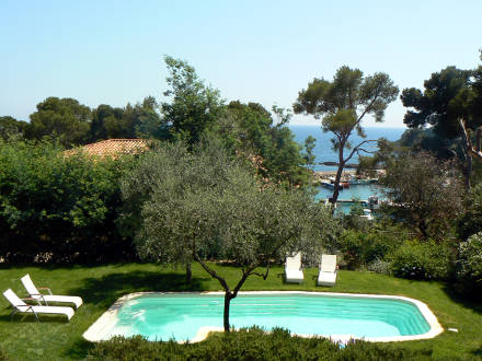 Maison en provence villa presqu 39 le de giens var for Location maison ile de re derniere minute