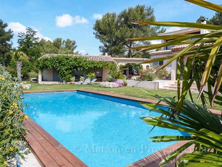 Villa piscine priv e quartier r sidentiel proche d 39 aix for Location vacances bouches du rhone piscine