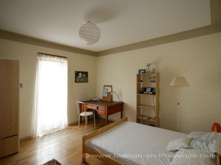 location mas proven al salon de provence bouches du rh ne ref m822. Black Bedroom Furniture Sets. Home Design Ideas