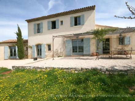 Bastide piscine au milieu des collines de garrigues bonnieux vaucluse - Grange de la bastide ...