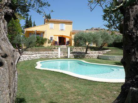 villa piscine priv e villa proven ale caumont sur durance vaucluse location de vacances n. Black Bedroom Furniture Sets. Home Design Ideas