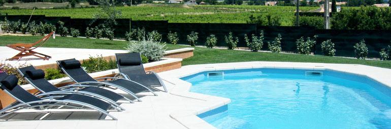 Maison en provence villa pertuis vaucluse for Entretien jardin pertuis