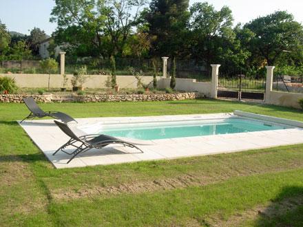 Maison en provence villa charleval bouches du rh ne for Location vacances bouches du rhone piscine