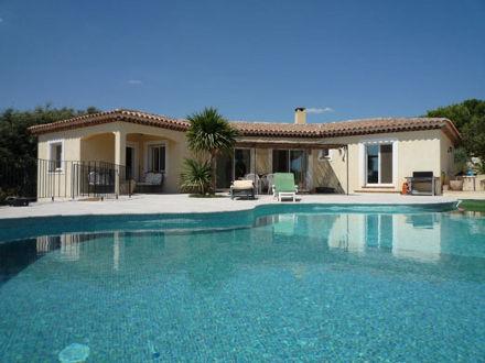 La villa de la location de vacances villa saint mitre for Accessoire piscine st mitre les remparts