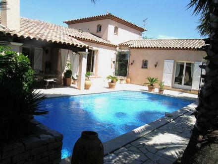 Villa piscine priv e dans le petite camargue mauguio for Piscine mauguio