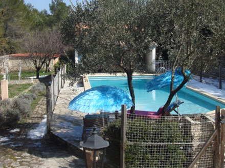 Villa piscine priv e au calme n mes gard location for Piscine nemausa nimes tarifs
