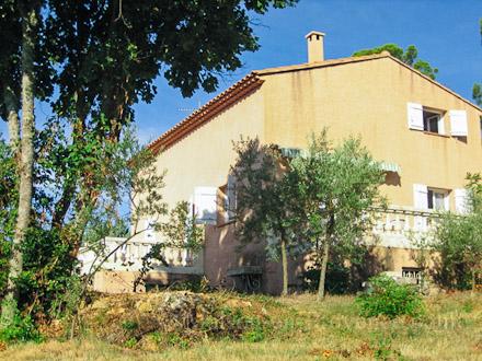 louer maison de village la verdi re var r servation disponibilit s maison de village n 953. Black Bedroom Furniture Sets. Home Design Ideas
