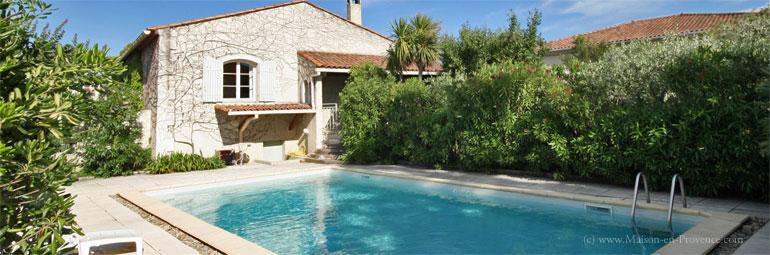 Villa piscine priv e aux portes des alpilles for Location vacances bouches du rhone piscine
