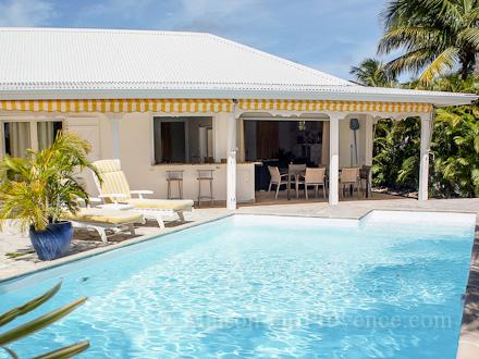 villa saint fran ois. Black Bedroom Furniture Sets. Home Design Ideas
